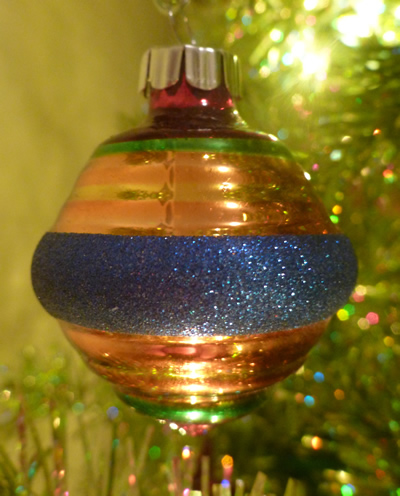 share this - Vintage Shiny Brite Christmas Ornaments