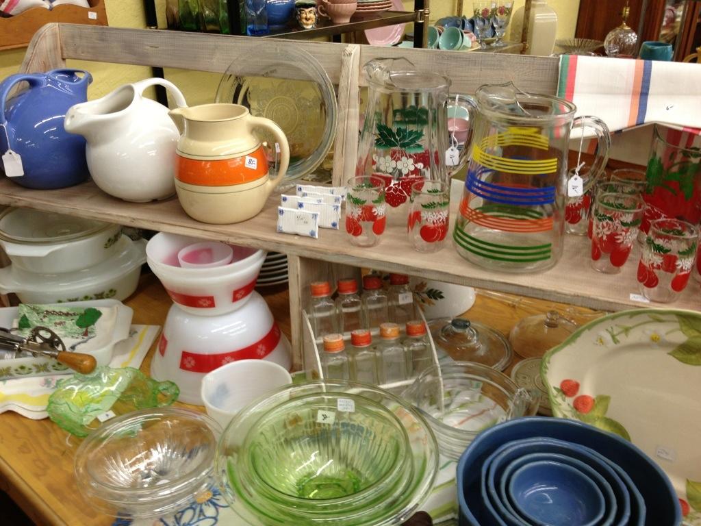 Beau Vintage Kitchenware
